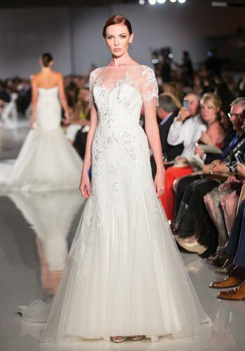 Shop made-to-order designer wedding dresses in sizes 4 – 34 from Blush by Hayley Paige, Morilee by Madeline Gardner, Justin Alexander, Ronald Joyce, Kenneth Winston, Stella York & La Sposa. Bijoux Bridal is a luxury Bridal Boutique based just outside Glasgow in the bustling town of Hamilton.