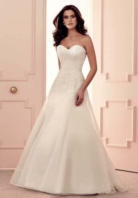 Paloma Blanca 4502 Wedding Dress photo