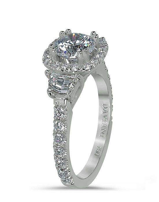 Daviani Love Links Collection Unique Round Cut Engagement Ring