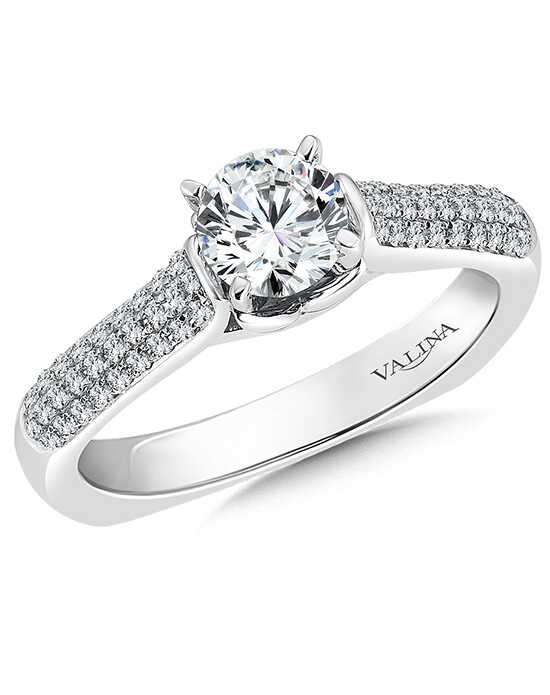 Valina Classic Round Cut Engagement Ring