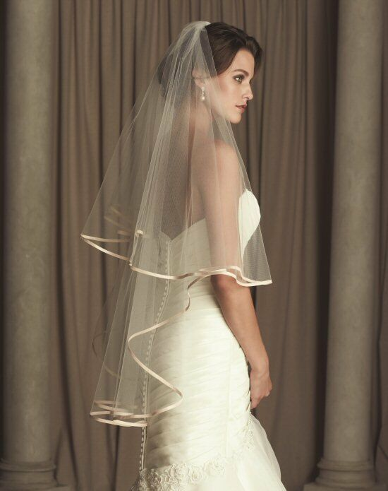 Paloma Blanca Veils Collection V442FD Ivory Veil