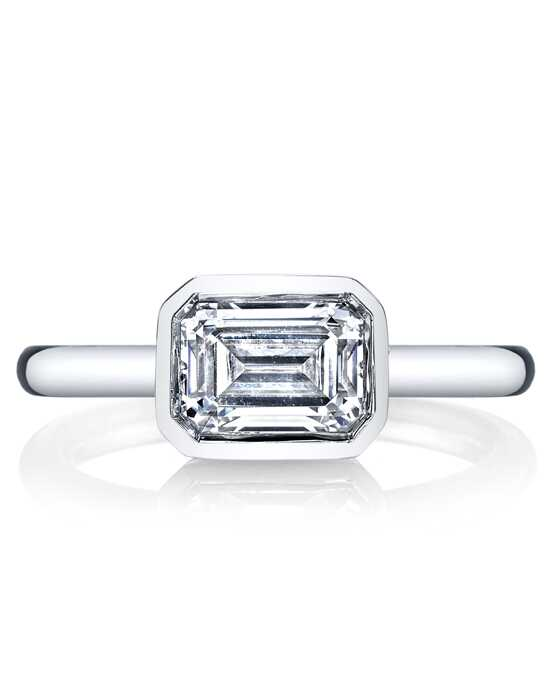 MARS Fine Jewelry Unique Emerald Cut Engagement Ring