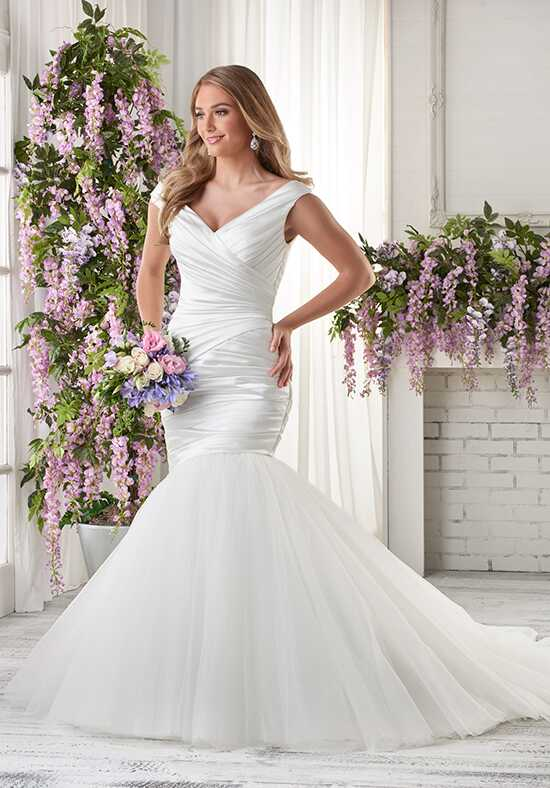 Bonny Bridal 616 Wedding Dress