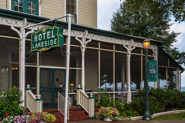 Built In 1875 Hotel Lakeside Is A Notable National Historic Landmark Conveniently Located On The Ss Of Lake Erie Reminiscent