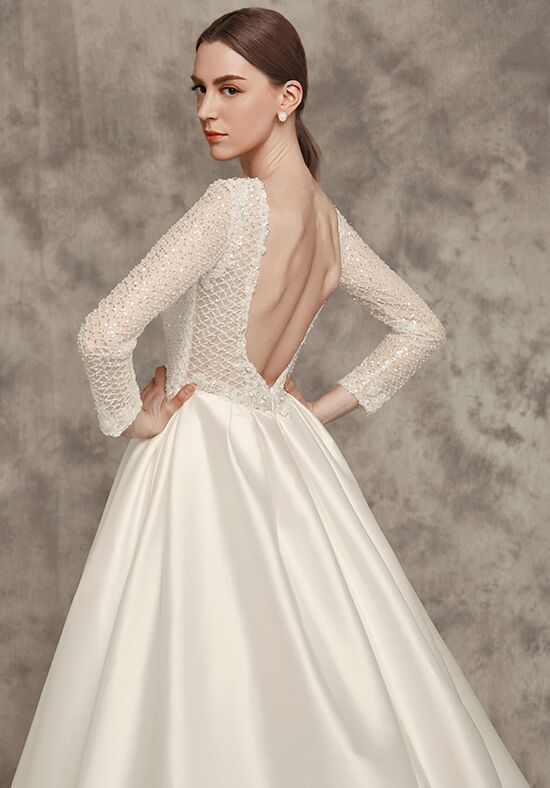 Calla blanche 16258 aimee wedding dress the knot for Calla blanche wedding dress