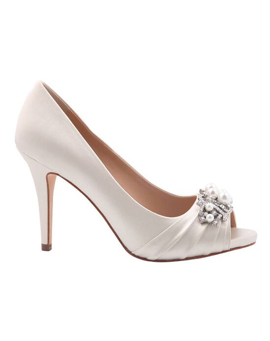 Nina Bridal Wedding Accessories Ruana_Ivory Ivory Shoe