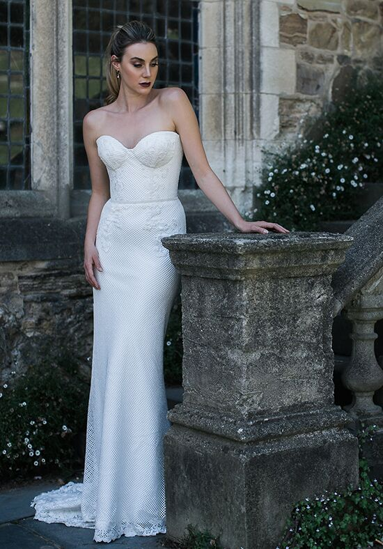 KAREN WILLIS HOLMES Gerry & Merida Sheath Wedding Dress