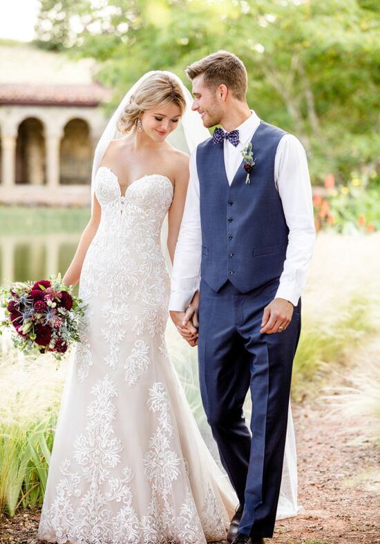 Essense of Australia D2424 Wedding Dress