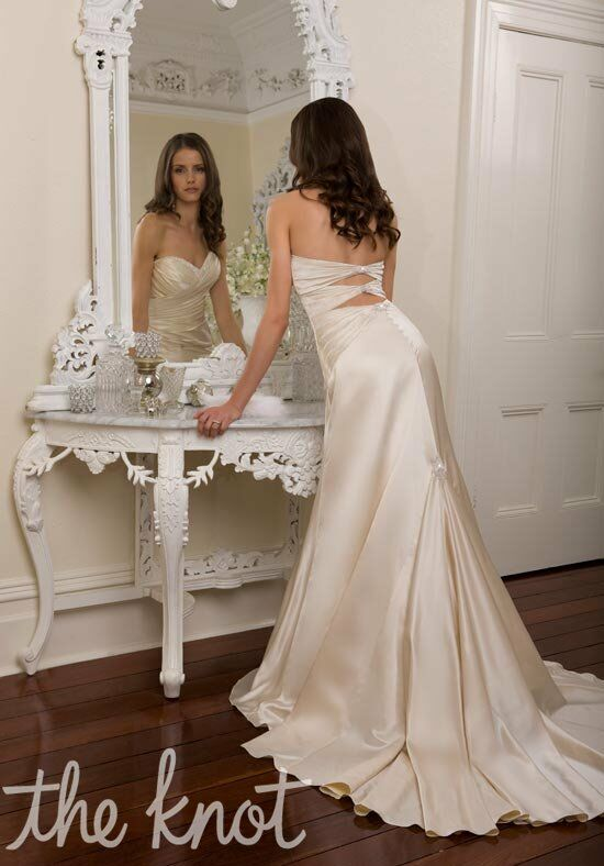 Essense of Australia D940 Sheath Wedding Dress