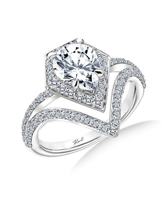 Charmant KARL LAGERFELD Unique Pear Cut Engagement Ring