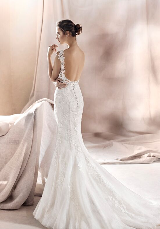 White One Saura Wedding Dress The Knot