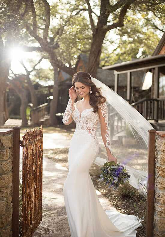 Essense of Australia D2488 Sheath Wedding Dress