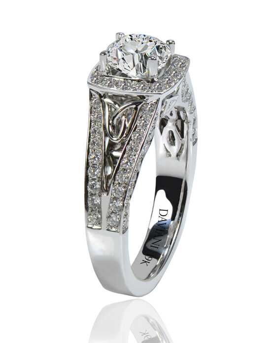 Daviani Love Links Collection Elegant Round Cut Engagement Ring