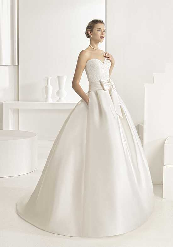 Rosa Clará Orbital Wedding Dress photo