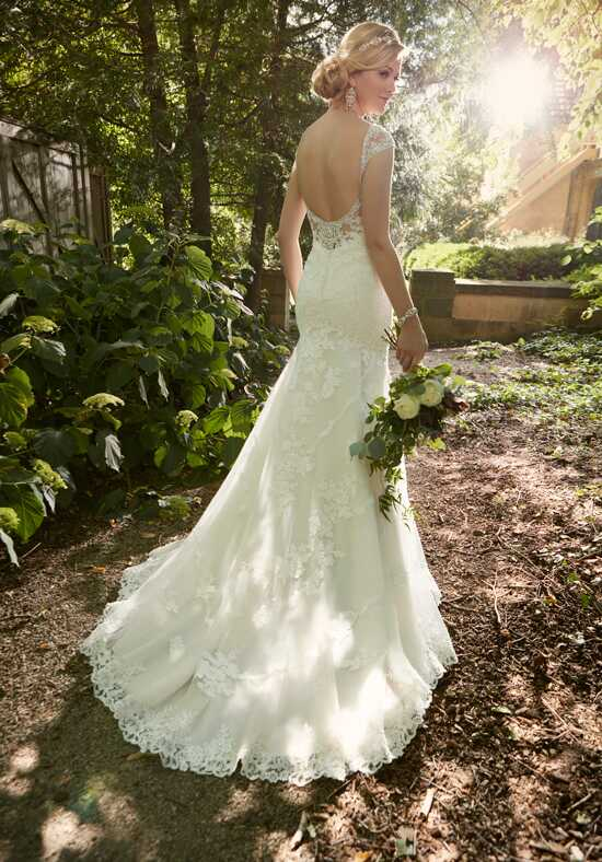 Essense of Australia D2002 Mermaid Wedding Dress