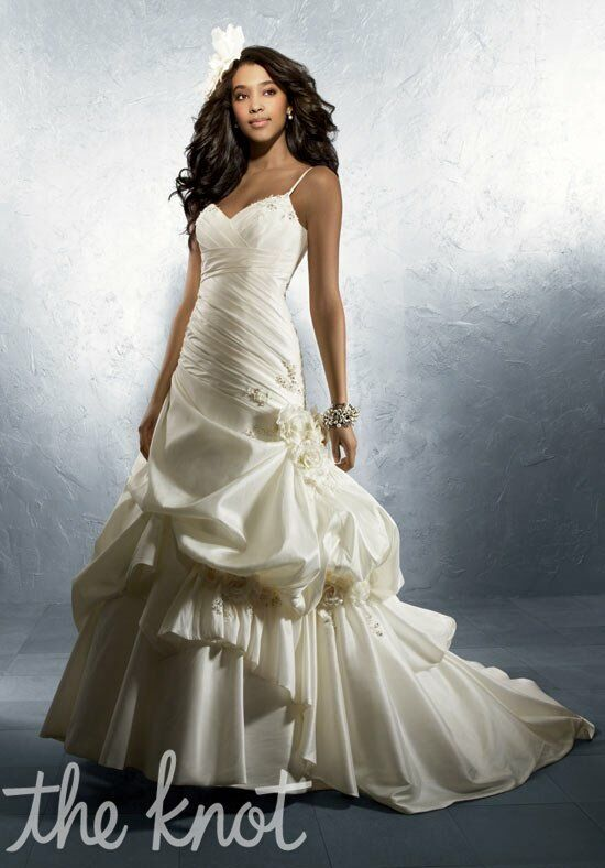 Alfred Angelo Signature Bridal Collection 2247 A-Line Wedding Dress