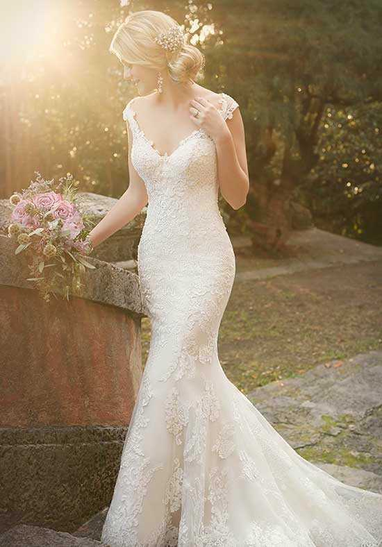 Essense of Australia D1977 Mermaid Wedding Dress