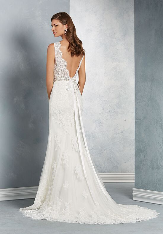 Alfred Angelo Signature Bridal Collection 2621 Sheath Wedding Dress