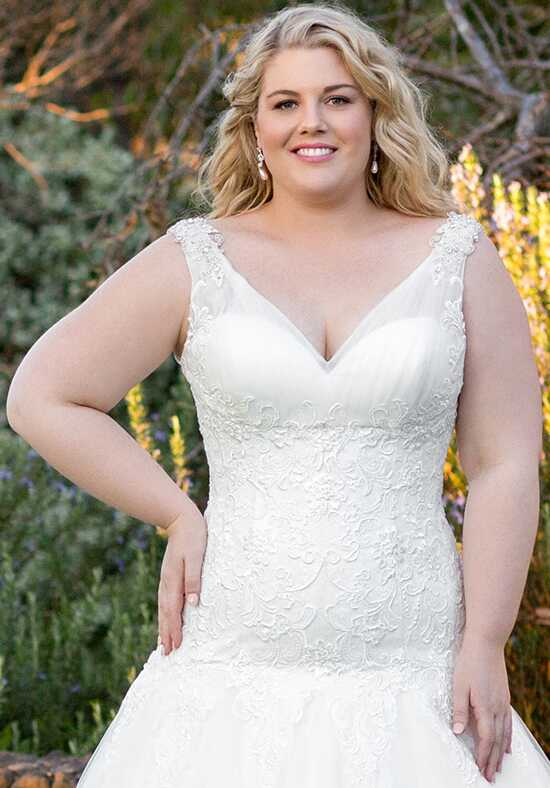 Roz la Kelin - Glamour plus Collection Astra 5931T Wedding Dress photo