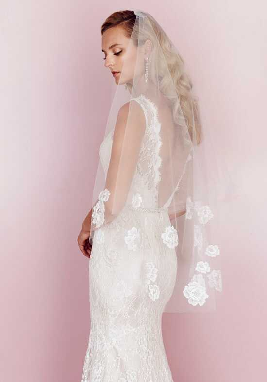 Paloma Blanca Veils Collection