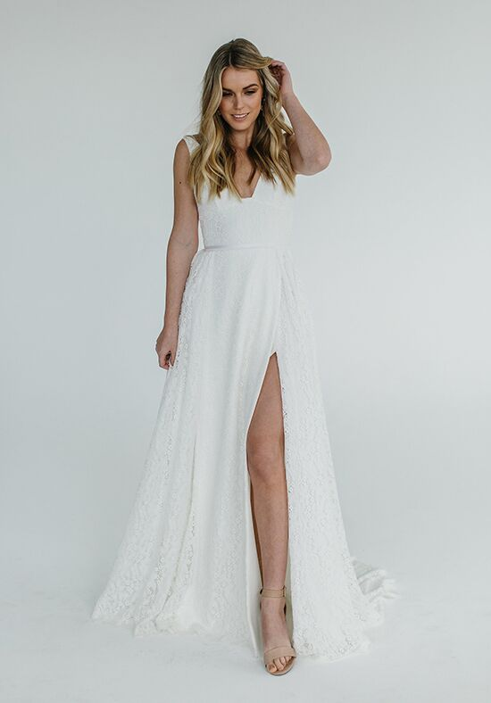 KAREN WILLIS HOLMES Nadia Sheath Wedding Dress