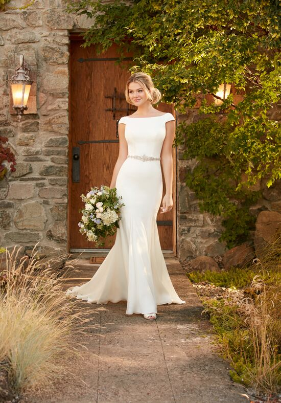 Essense of Australia D2261 Sheath Wedding Dress