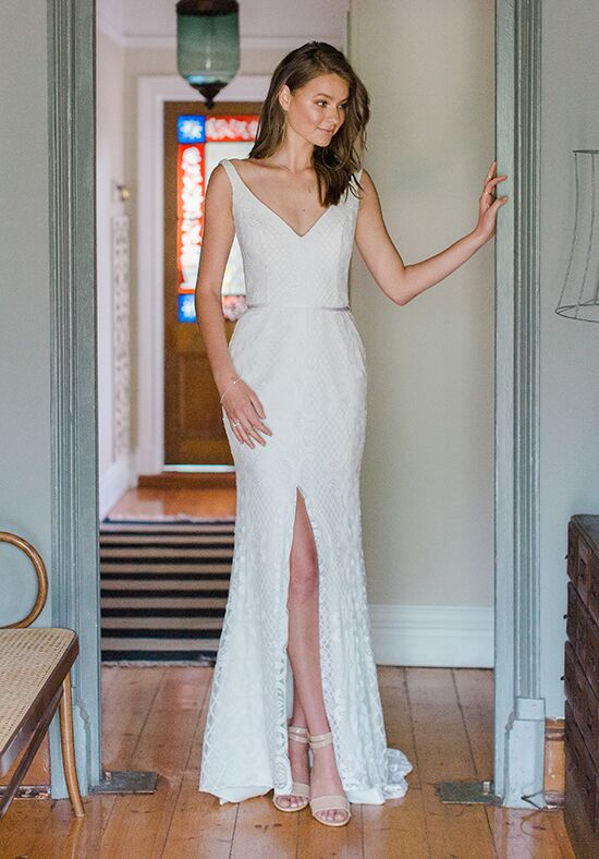 KAREN WILLIS HOLMES Bobby Sheath Wedding Dress