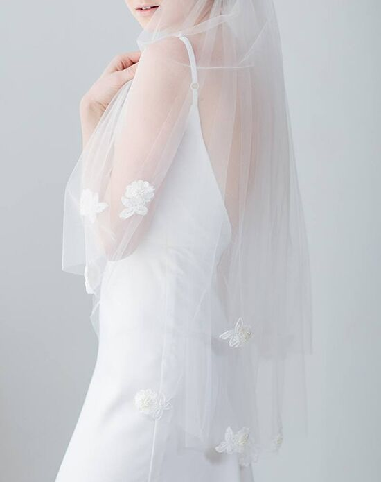 Davie & Chiyo | Hair Accessories & Veils Azalea Veil Ivory Veil