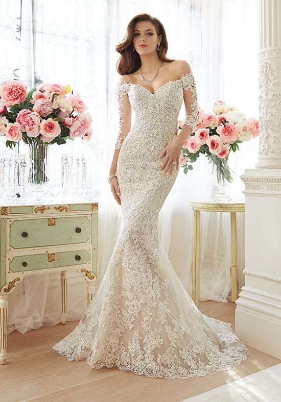 Off white fitted wedding dress