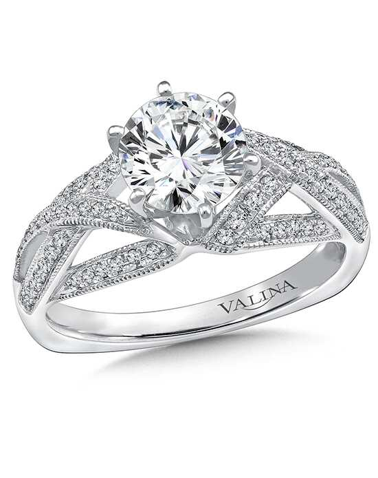 Valina Glamorous Round Cut Engagement Ring