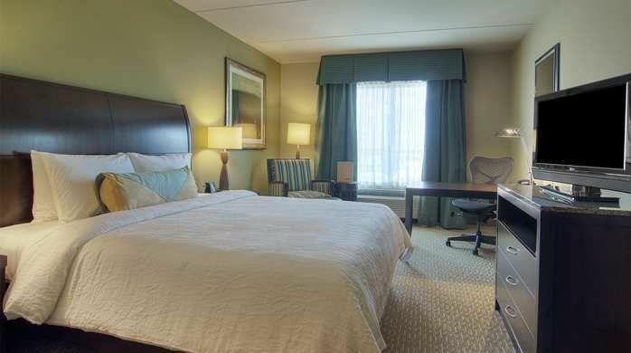 Hilton Garden Inn Houston/Pearland Hotel. 12101 Shadow Creek Pkwy, Pearland,  TX 77584, USA (713) 340 0110