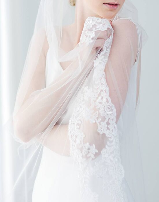 Davie & Chiyo | Hair Accessories & Veils Rosà Veil Ivory Veil