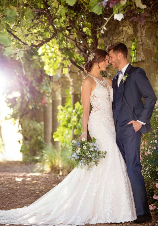 Essense of Australia D2432 Wedding Dress