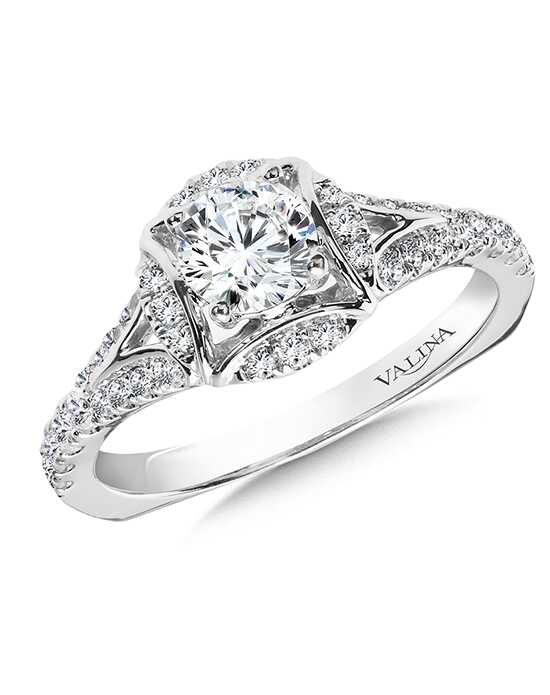 Valina Elegant Round Cut Engagement Ring