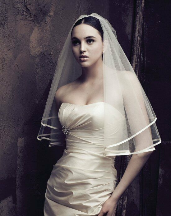 Paloma Blanca Veils Collection V409E Ivory Veil