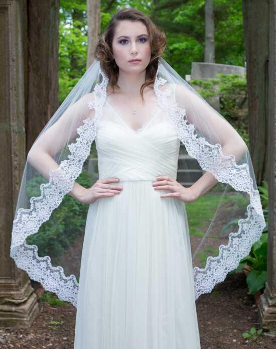 Alisa Brides Joan Lace Veil