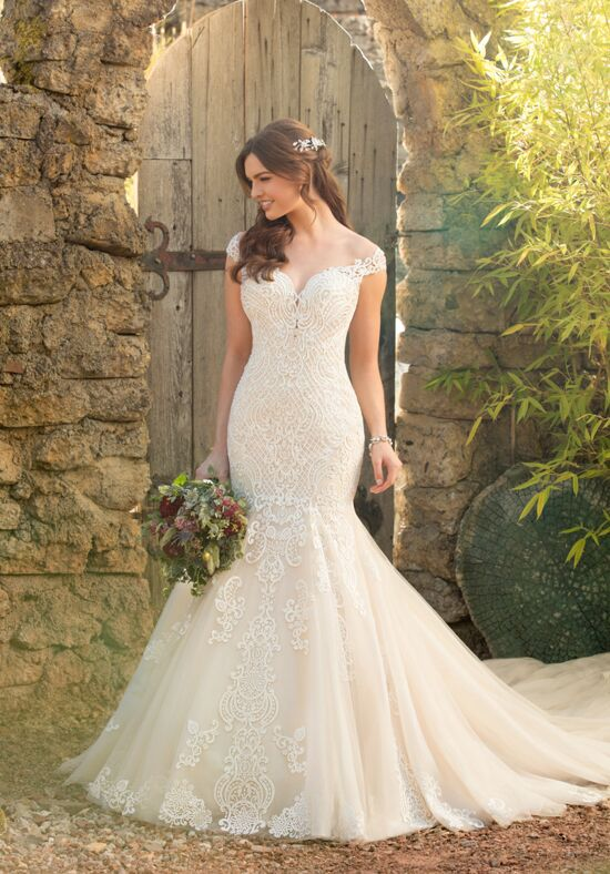 Essense of Australia D2434 Wedding Dress