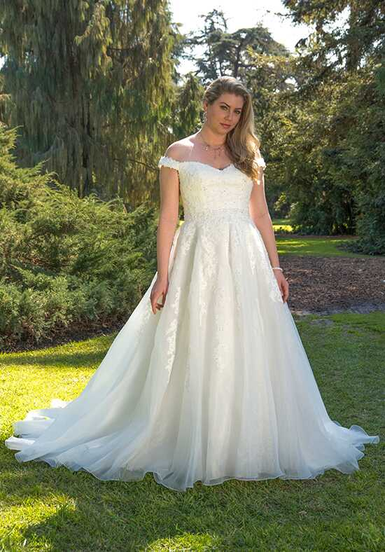 Venus Woman VW8771 Ball Gown Wedding Dress