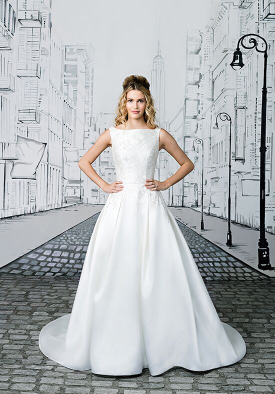 Justin Alexander 8897 Ball Gown Wedding Dress