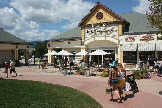 North Conway, NH Shopping and Outlets. North Conway, NH Shopping in the heart of Mt. Washington Valley in the beautiful White Mountains of New Hampshire is a shopper's dream come 0549sahibi.tk are hundreds of stores, fine art galleries, and factory outlets to shop in, in the North Conway, Bartlett and Jackson, NH, areas for clothing, artwork, outdoor, mountaineering and golf equipment, and NH.