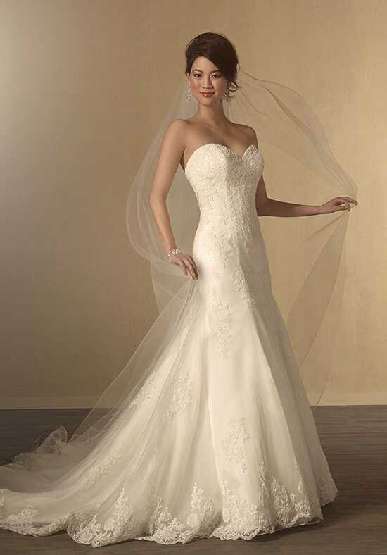 Alfred Angelo Signature Collection 2438 Wedding Dress photo