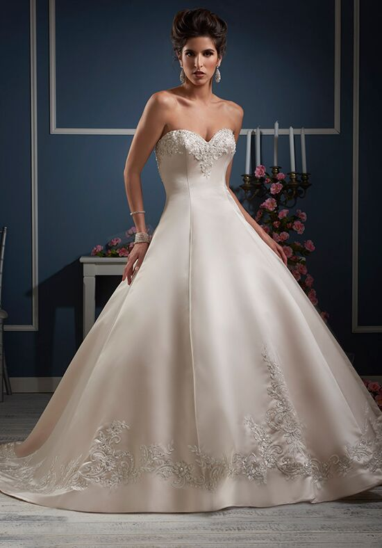 Essence Collection by Bonny Bridal 8606 Wedding Dress