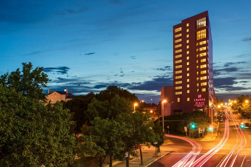Delta Hotel Richmond Downtown 555 E C St Va 23219 Usa 804 788 0900