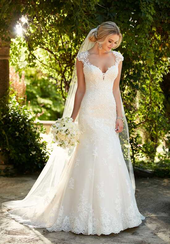 Essense of Australia D2262 Mermaid Wedding Dress