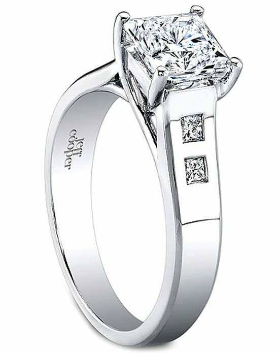Since1910 Classic Princess Cut Engagement Ring
