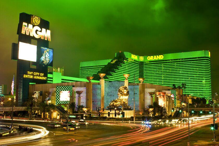 Хозяин казино кристалл играть бесплатно классические слот автоматы