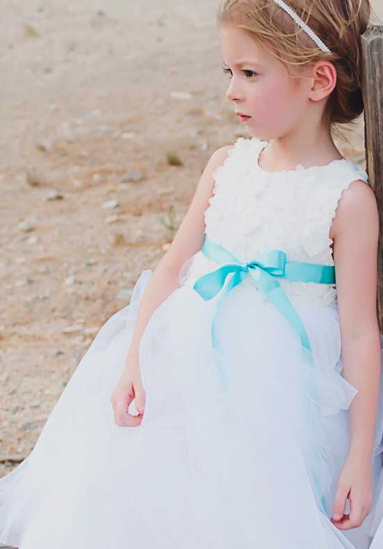 FATTIEPIE Rosette White Flower Girl Dress