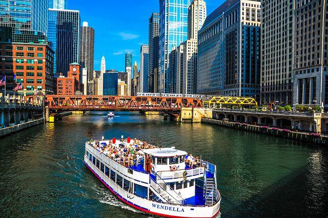 architectural boat ride chicago : ferrarauno