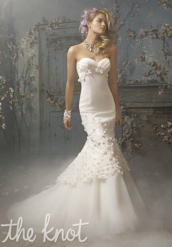 Alvina Valenta 9017 Mermaid Wedding Dress