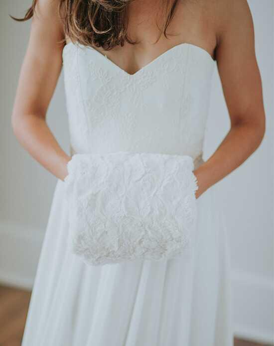 Davie & Chiyo   Faux Fur Shawls Wedding Accessories